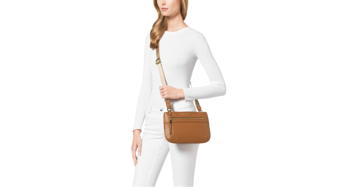 a836ab1e5137 Lyst - Michael Kors Jet Set Large Leather Crossbody in Brown