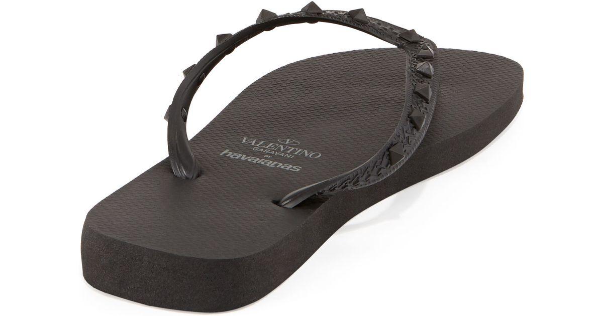 9baef78192061 ... Valentino By Havaianas Rockstud Flip Flop Black in Black for Men - Lyst  best shoes a79dd ...