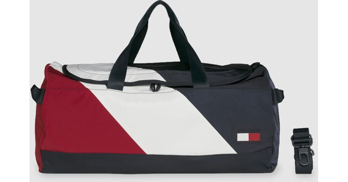 391a5e990f719 Tommy Hilfiger Fabric Travel Bag With Zip In Navy Blue