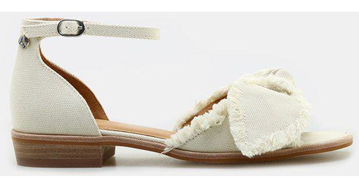 Bill Blass Maddy Ankle Strap Sandal (Women's) V7lp2