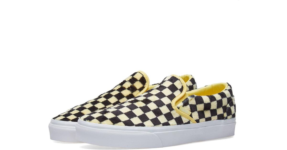a8bfac32f133 Lyst - Vans Women s Ua Classic Slip On Furry Checkerboard in Yellow