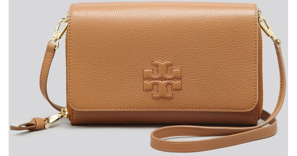 e349e7f33228 Lyst - Tory Burch Mini Bag - Thea Flat Wallet On A Crossbody in Brown