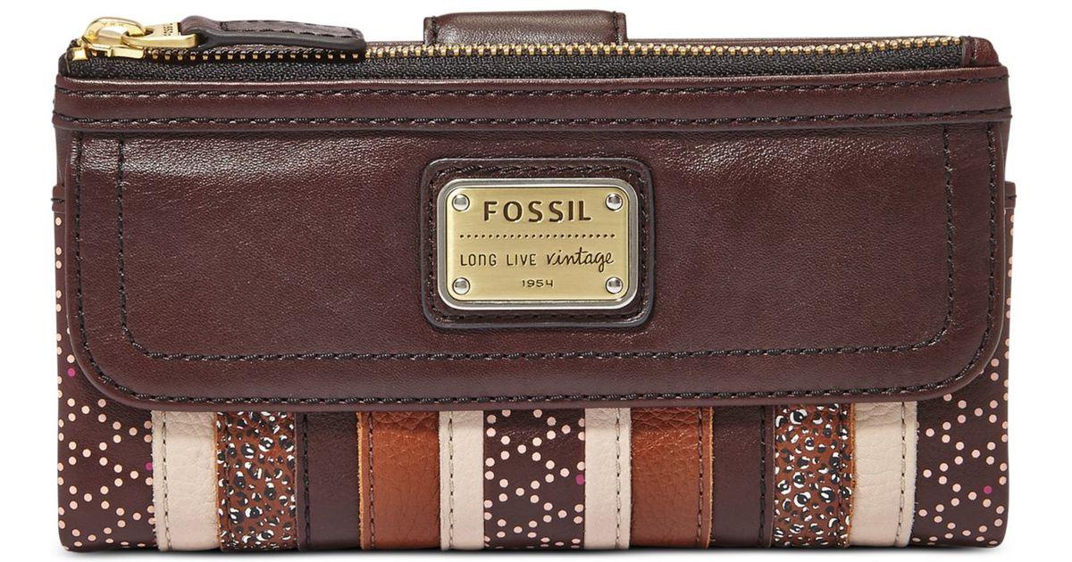d374dd99a376 Fossil Emory Leather Clutch Wallet in Purple - Lyst