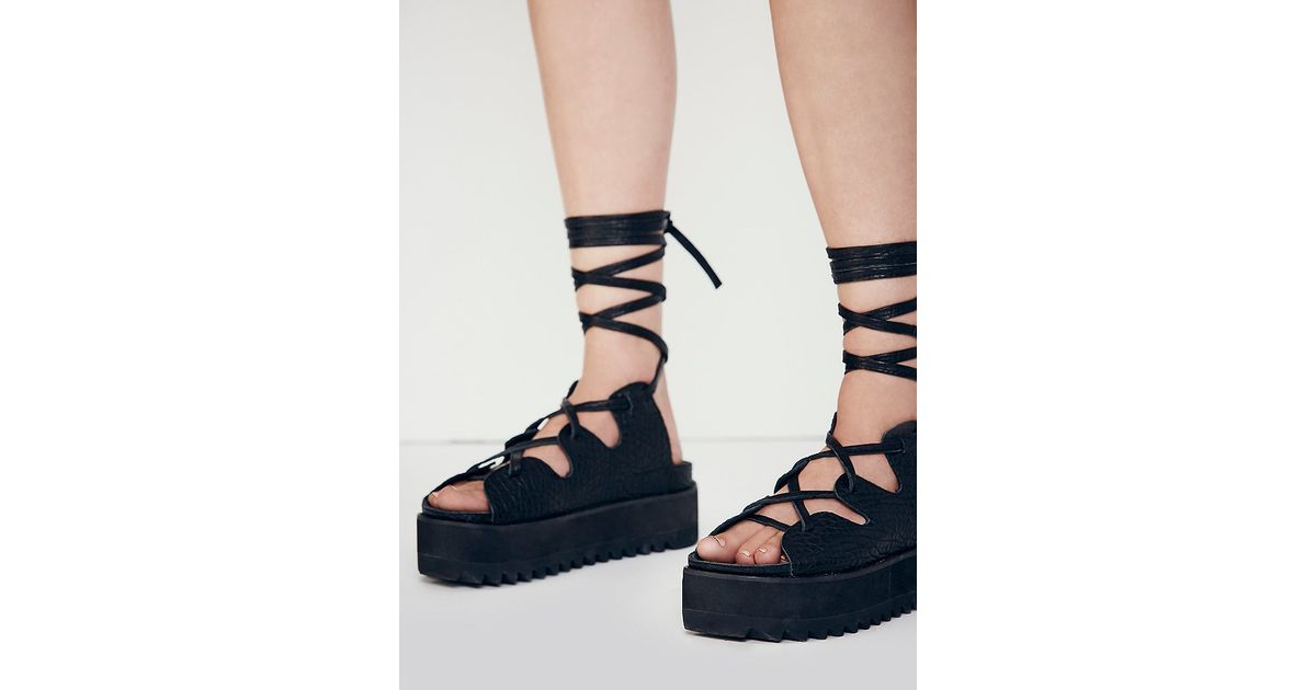 012de28ce867 Free People Intentionally Blank Womens Tully Lace Up Sandal in Black - Lyst
