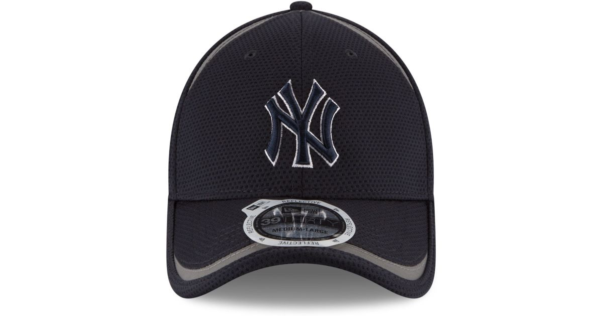 90026def83a Lyst - KTZ New York Yankees Reflectaline 39thirty Cap in Black for Men