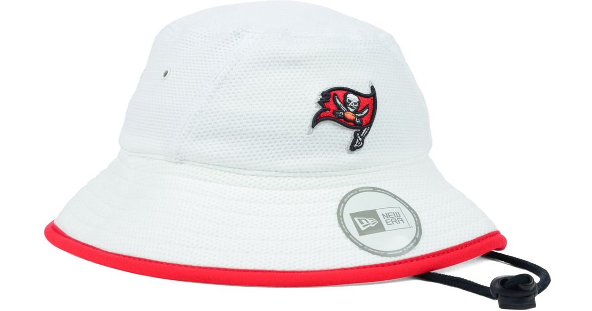 online store 8f9a9 058c6 KTZ Tampa Bay Buccaneers Training Camp Bucket Hat in White for Men - Lyst