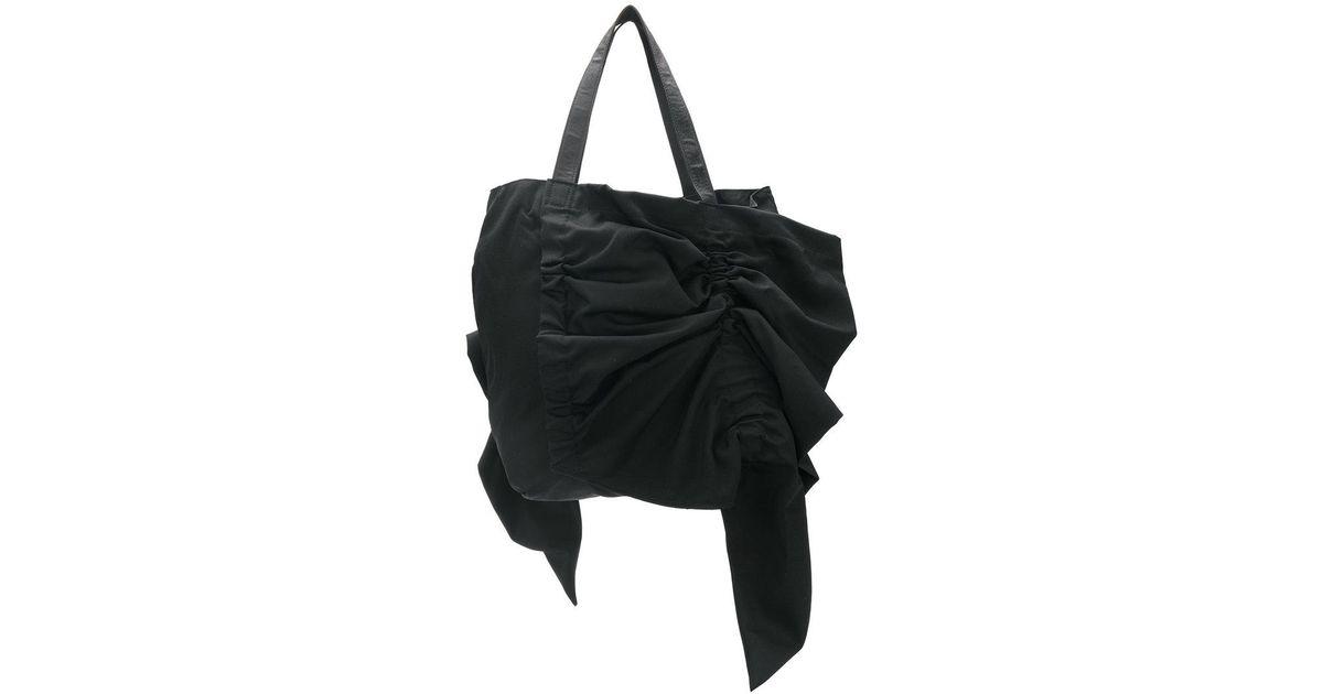 b7a9ca038a07 Yohji Yamamoto Ruffle Trim Tote Bag in Black - Lyst