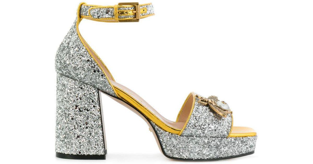 79c46e007 Gucci Glitter Bee Sandals in Metallic - Lyst