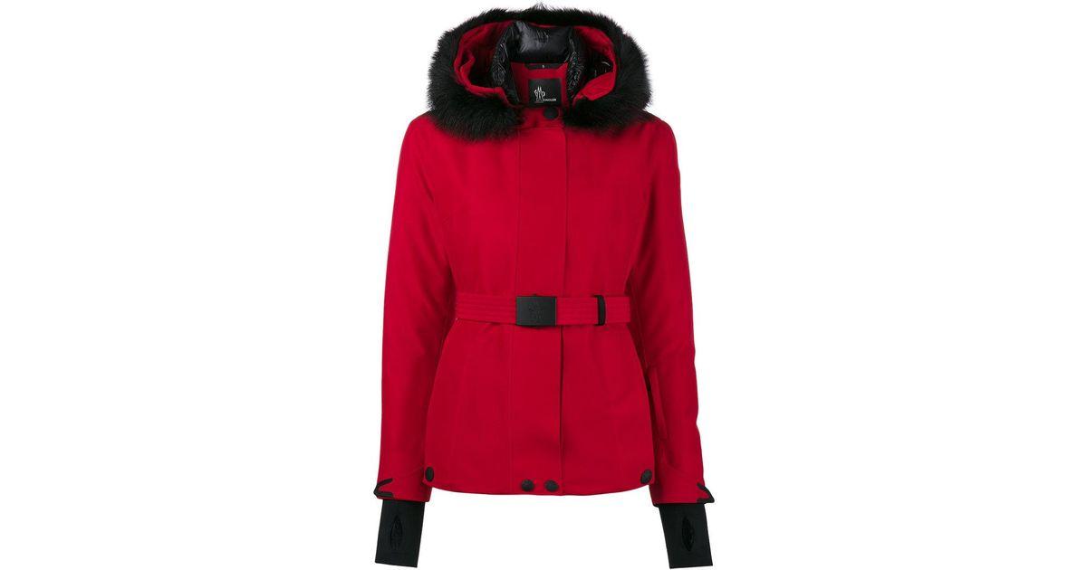 4e79fa88bebf Lyst - Doudoune à capuche bordée de fourrure de marmotte Moncler Grenoble  en coloris Rouge