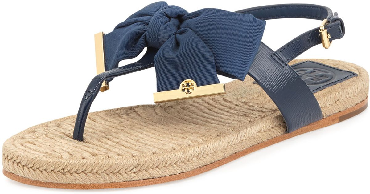 481a52794 Tory Burch Penny Flat Bow Espadrille Thong Sandals Newport Navy in Blue -  Lyst