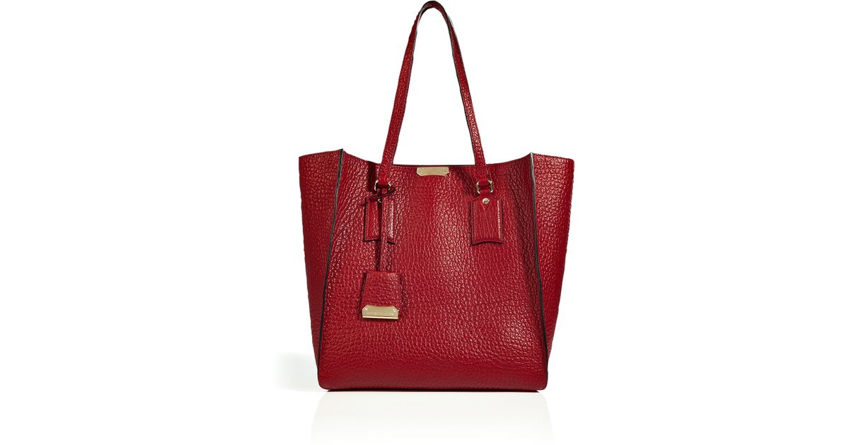 db0fa7976bc6 Lyst - Burberry Leather Medium Woodbury Tote in Military Red in Red