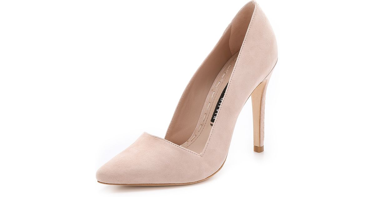 76e4e5befe2 Lyst - Alice + Olivia Dina Suede Pumps - Nude Lips in Natural