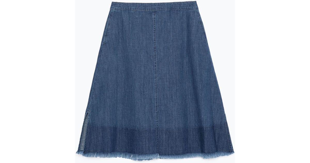 zara mid length frayed denim skirt in blue mid blue lyst