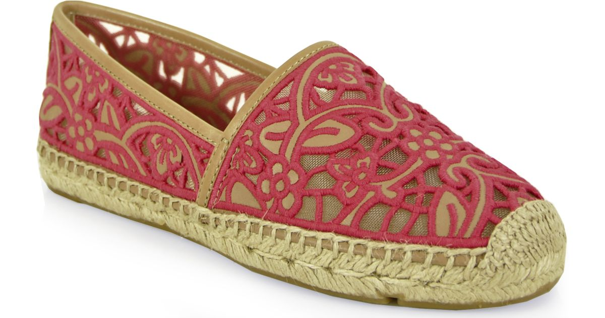 eb4d4e6d6a95 Lyst - Tory Burch Lace Espadrille in Pink