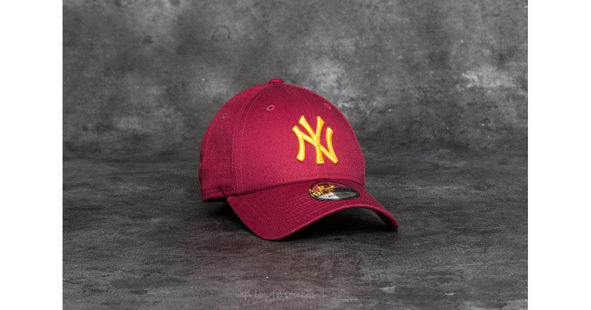 0d50cfe6288 Lyst - Ktz 9forty League Essential New York Yankees Cap Scarlet  Gold for  Men