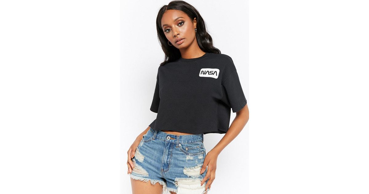c2d0f9b8909d12 Lyst - Forever 21 Nasa Graphic Semi-cropped Tee in Black