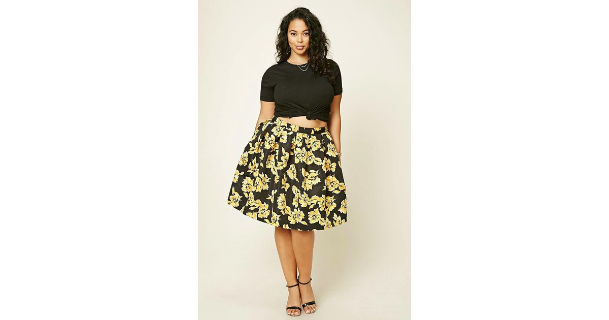 376a18900b9 Forever 21 Plus Size Pleated Floral Skirt in Black - Lyst