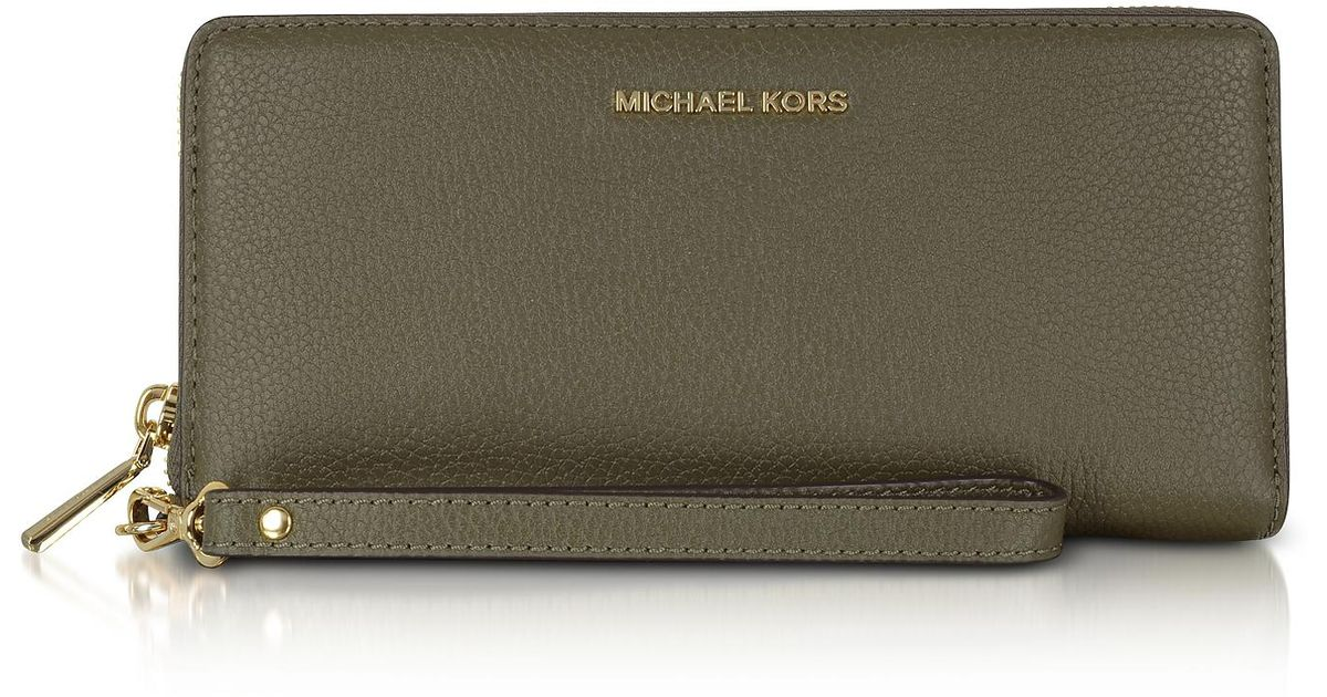 e0d7d56d6ba1 Michael Kors Mercer Large Olive Pebble Leather Continental Wallet in Green  - Lyst