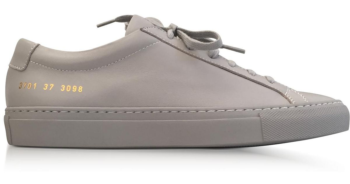 a87802e3c2ca Lyst - Common Projects Ash Leather Achilles Original Low Top Women s  Sneakers in Gray