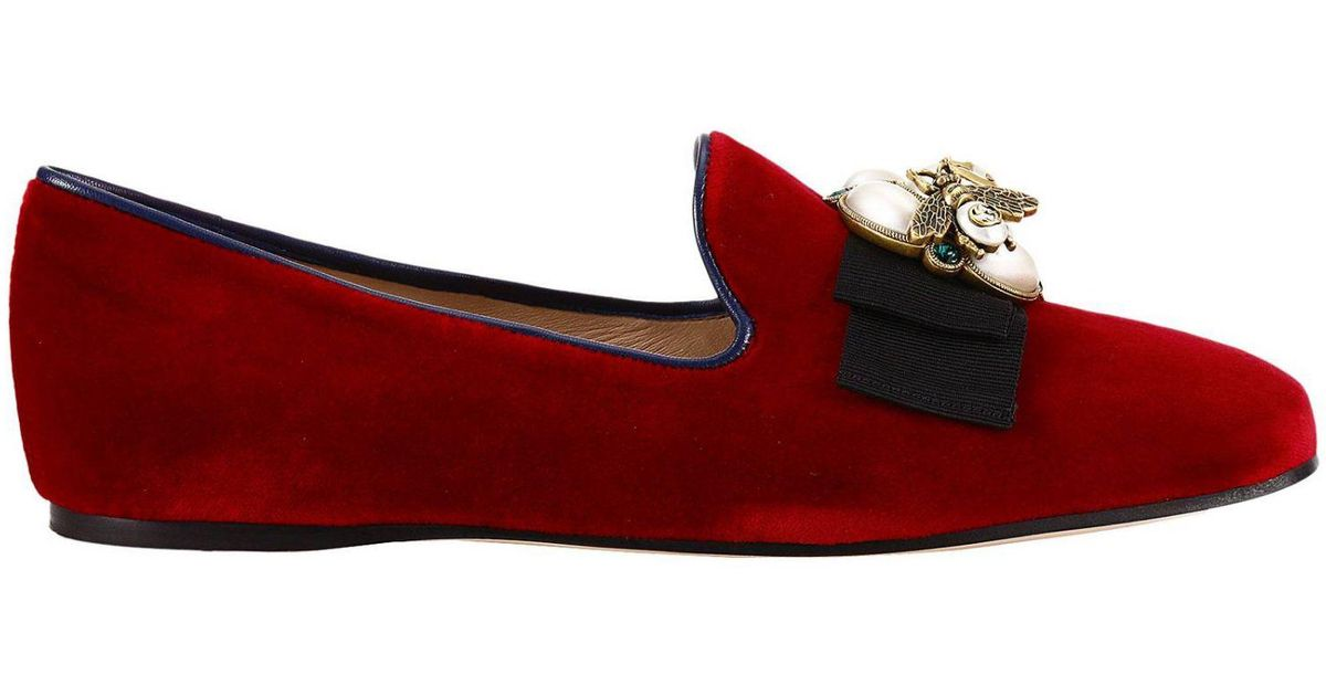 5e5eb2b24b2 Gucci Etoile Loafers In Soft Velvet With Macro Bow And Bee Detail in Red -  Lyst