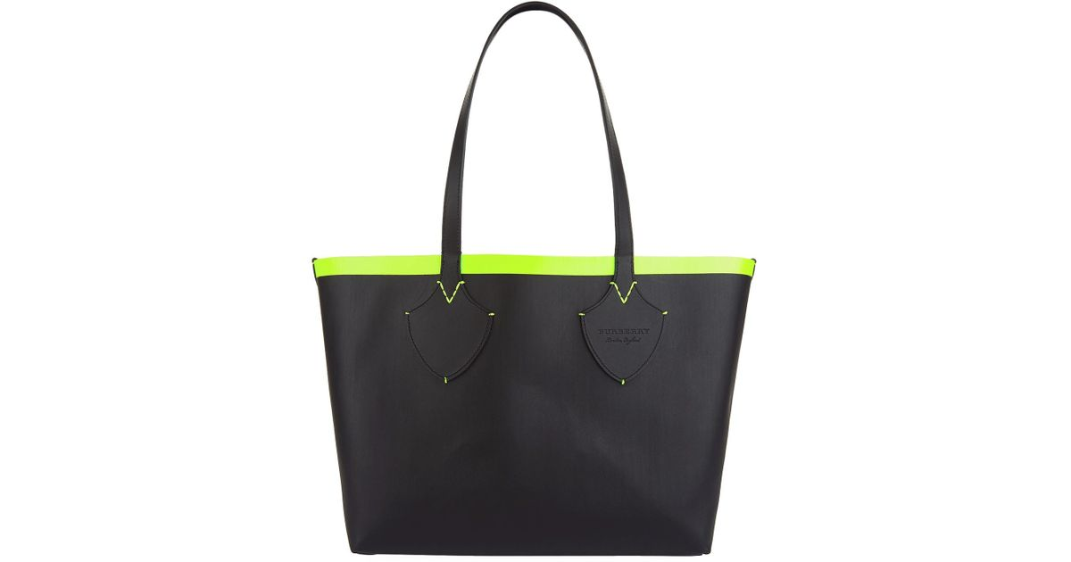 Lyst - Burberry Medium Reversible Check And Leather Tote in Black db3c36c13c