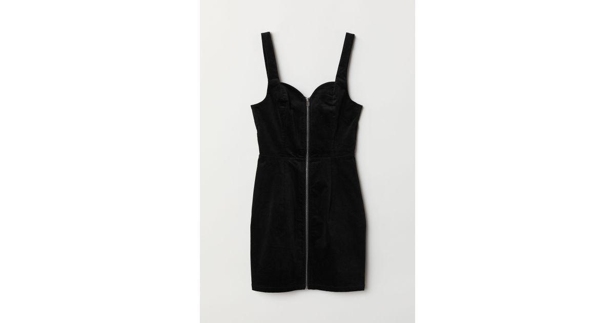 094a26e9cb8 Lyst - H M Velvet Dungaree Dress in Black
