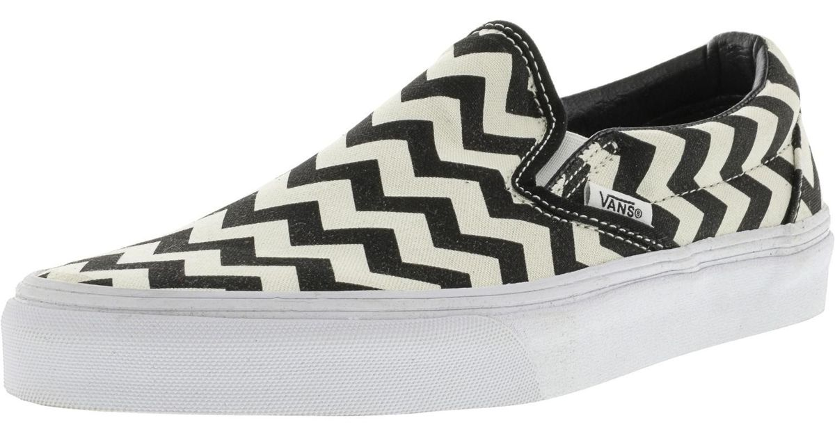 dbb9e058a9b618 Lyst - Vans Classic Slip-on Chevron Black   White Canvas Skateboarding Shoe  in Black for Men