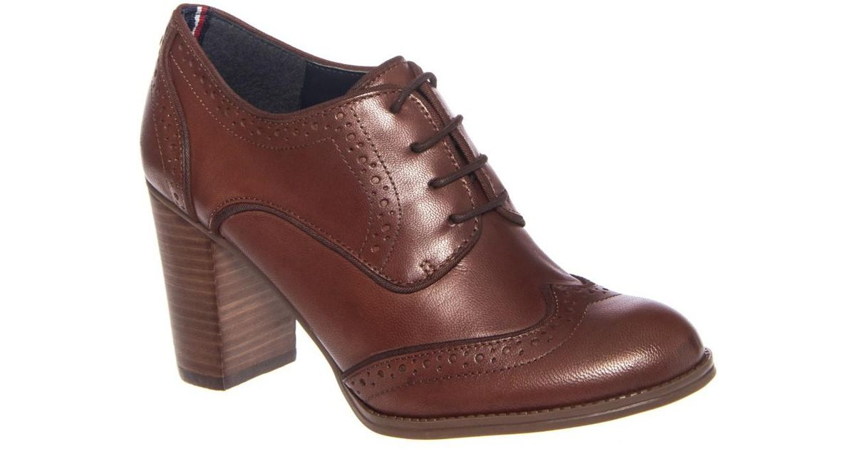 8dd95306fc4b2 Lyst - Tommy Hilfiger Fabiole Women Us 8 Brown Oxford in Brown