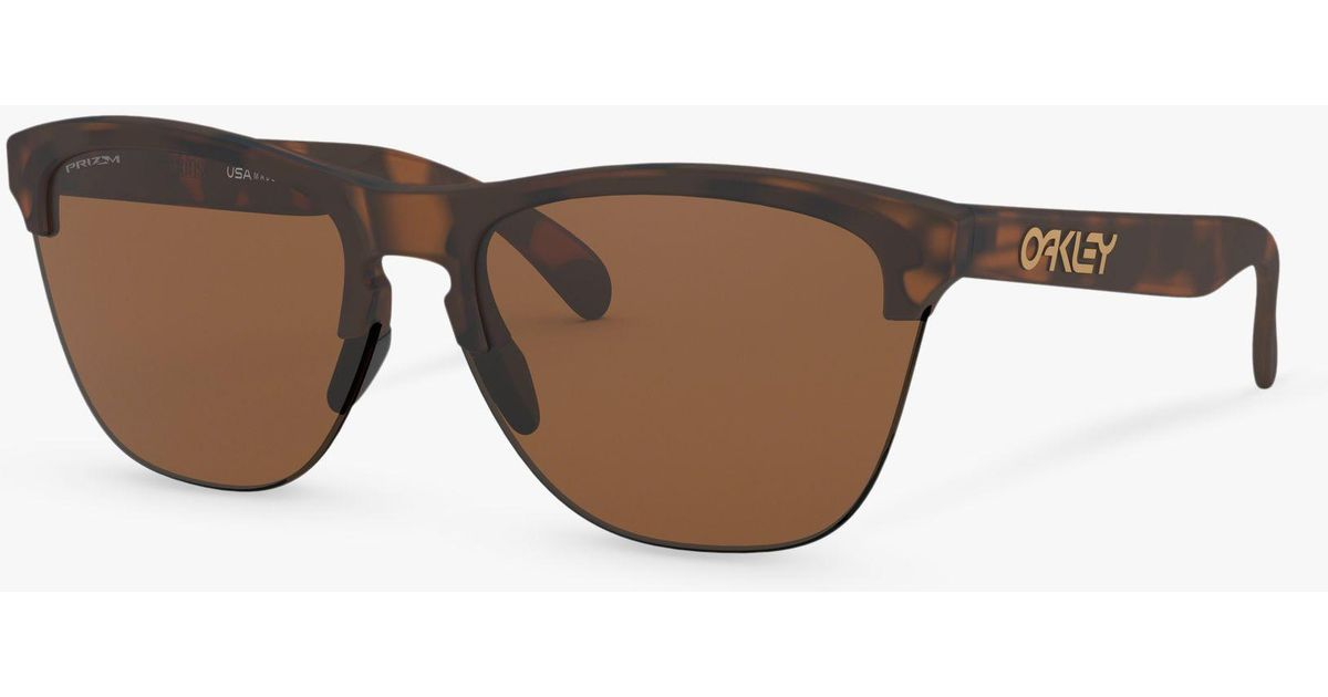 a180fa104d Oakley Oo9374 Men s Frogskins Lite Prizm Round Sunglasses in Brown for Men  - Lyst
