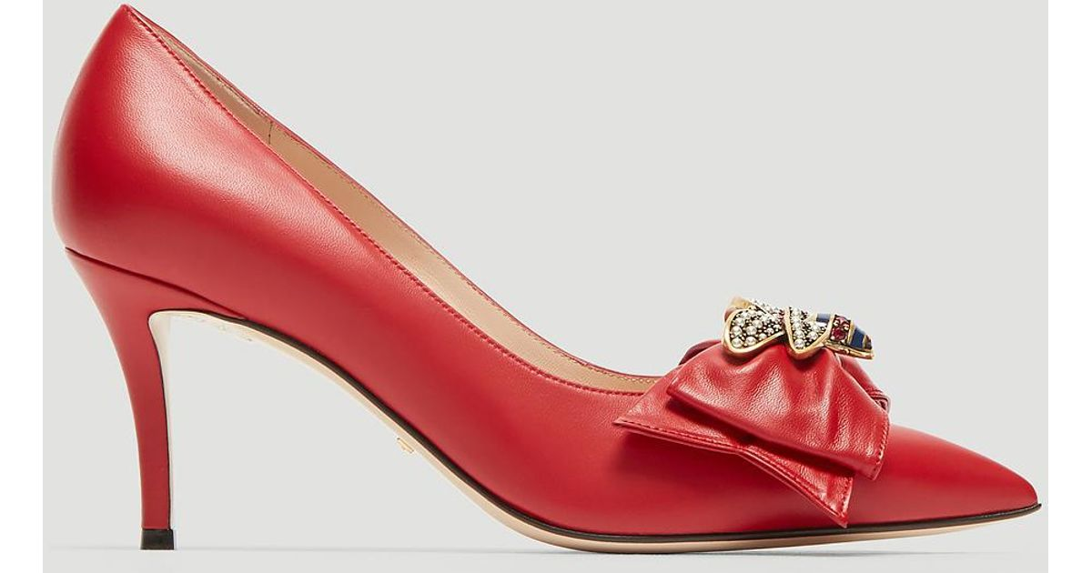 8d7c6cc95999 Gucci Bee Bow Pumps In Red in Red - Lyst
