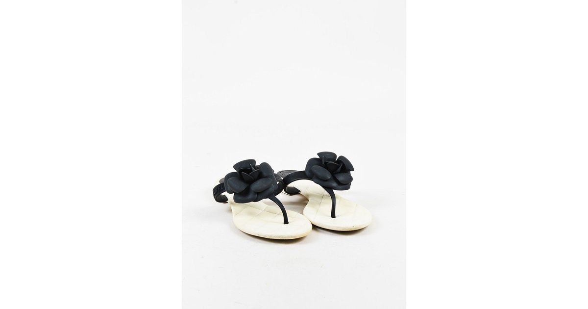 ccf90193ff5 Lyst - Chanel Black   White Camellia Flower Thong Sandals in Black
