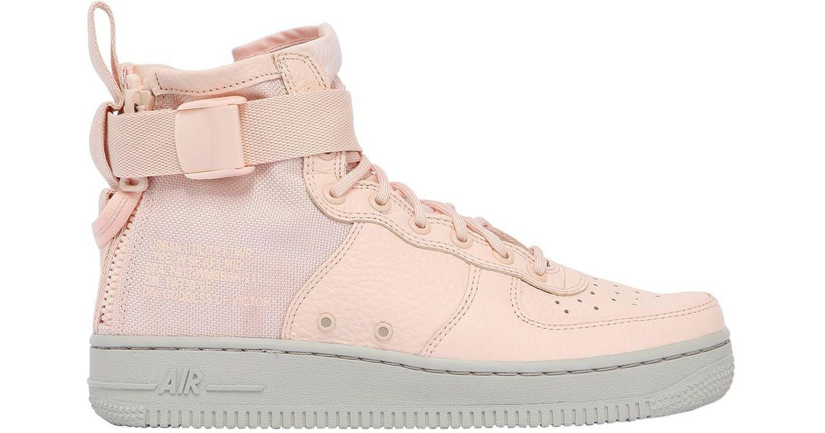 lowest price 0bec1 5a510 Nike Sf Air Force 1 Mid Top Sneakers in Pink - Lyst