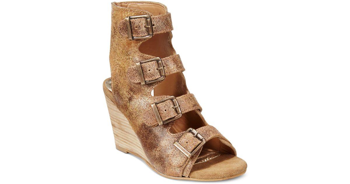 Diba True In Vited Buckle Wedge Sandals In Brown Cognac