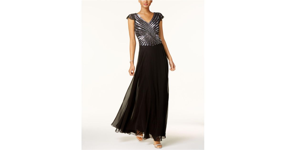 2f09fd21f17f Lyst - J Kara Hand-beaded & Sequined Gown in Black