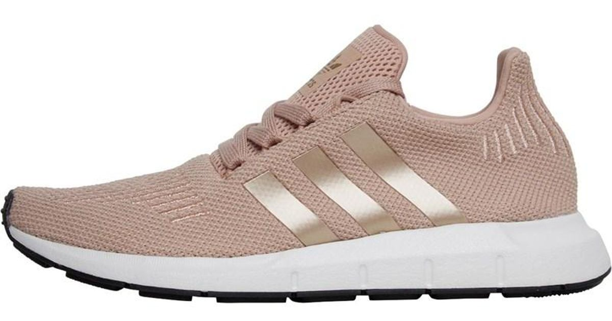 c5901e895 adidas Originals Swift Run Trainers Dust Pearl copper Metallic crystal White  - Lyst