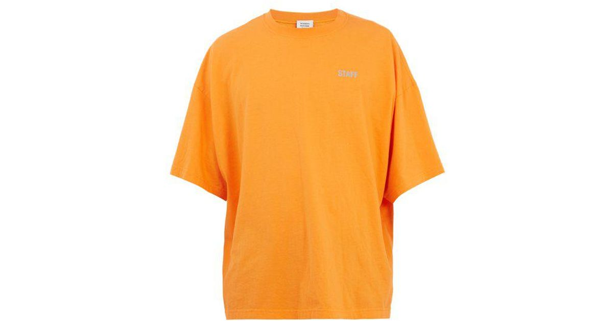 b8244758 Vetements Staff-print Jersey T-shirt in Orange for Men - Lyst