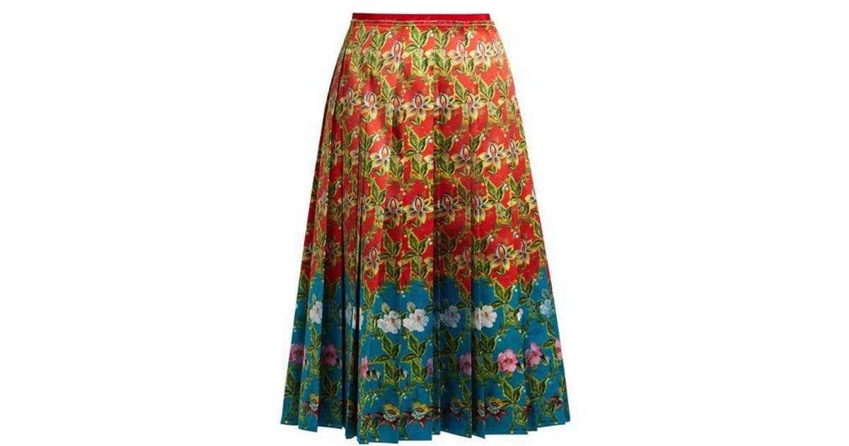 fb0ac5b45493 Gucci Floral-print Pleated Silk-satin Skirt in Red - Lyst
