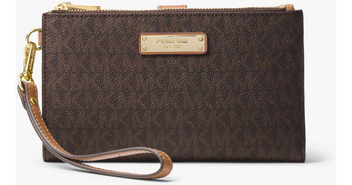 eb2f675e1ac7 Michael Kors Adele Logo Smartphone Wallet in Brown - Lyst