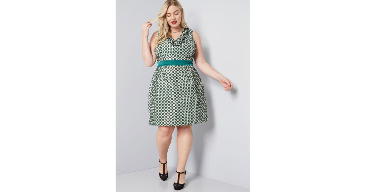 eaaedecc669e4 Lyst - Anna Sui Modcloth X Admiring Eyes Sheath Dress in Green