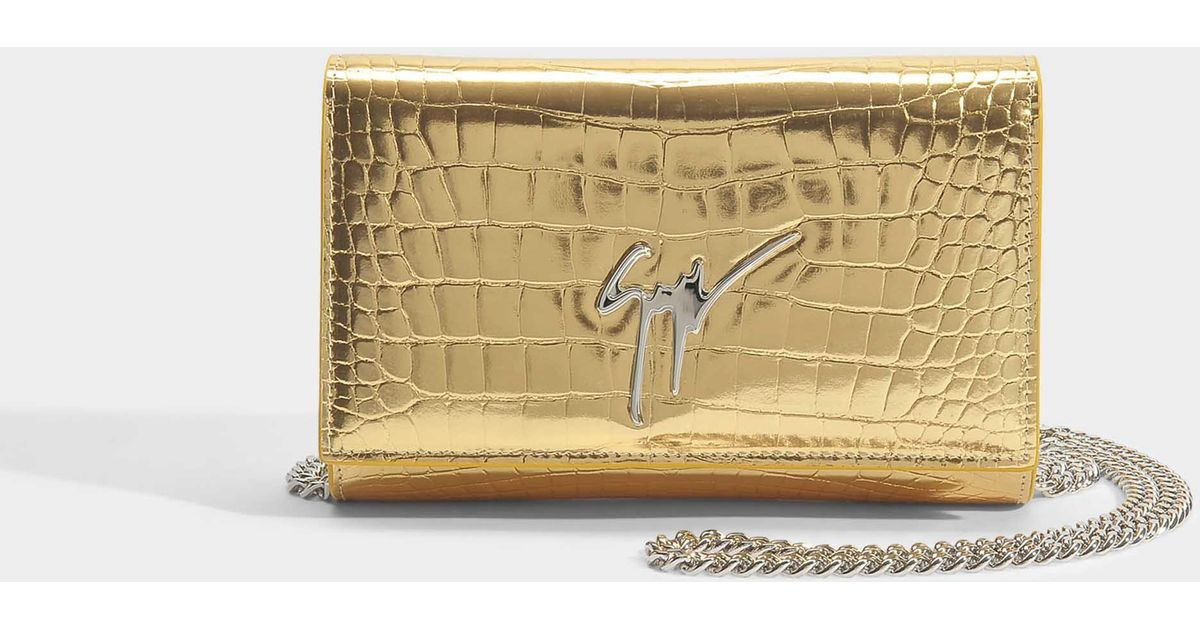 Elettra Small Bag in Gold Elettra Leather Giuseppe Zanotti Low Shipping Fee Online Marketable Cheap Price Footlocker Finishline For Sale Big Sale For Sale Sale Purchase SCPTCgxNk