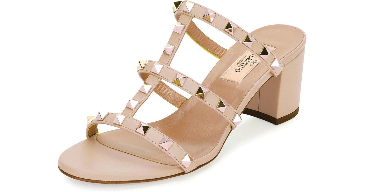 625279eb8a Valentino Rockstud Caged 60mm Slide Sandals in Natural - Lyst