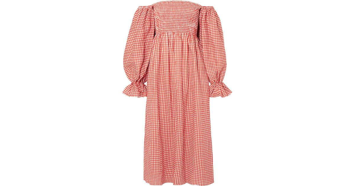 e9322c43f9 Sleeper Atlanta Off-the-shoulder Shirred Gingham Linen Midi Dress in Pink -  Lyst