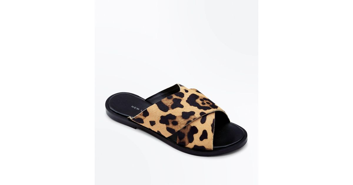 274054fd2df2e New Look Wide Fit Stone Leather Leopard Print Sliders in Brown - Lyst