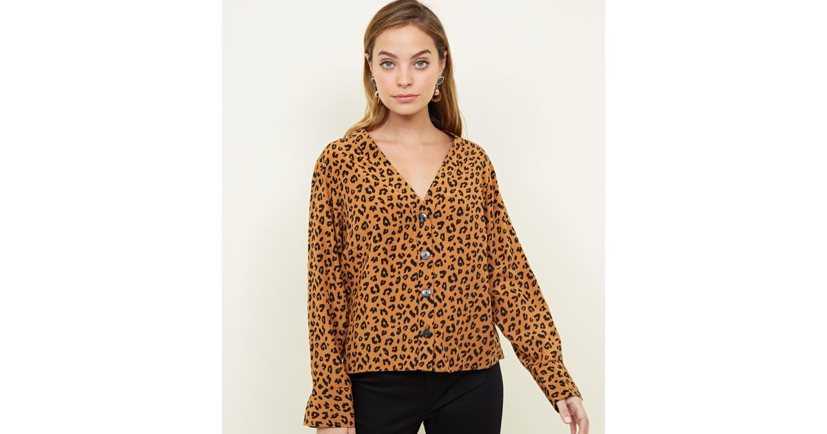 54f8f17e700a New Look Petite Brown Leopard Print V Neck Shirt in Brown - Lyst
