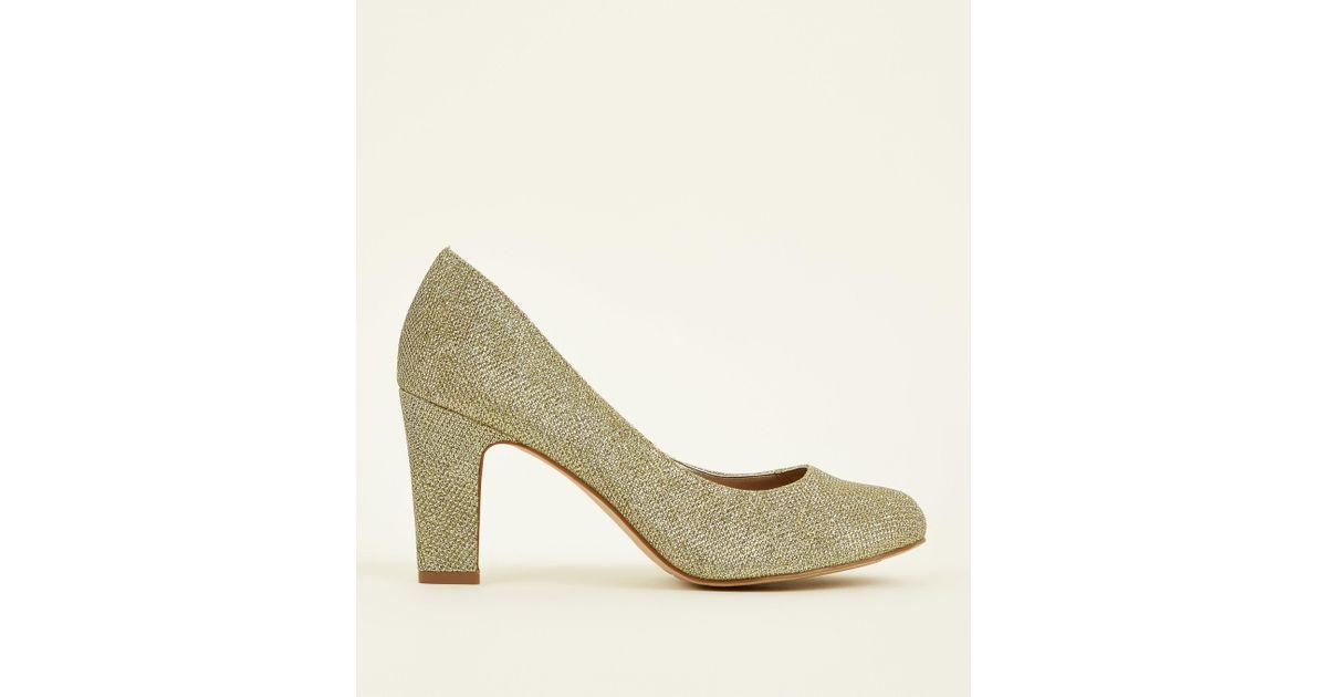 e577dfa7827 New Look Wide Fit Gold Glitter Block Heel Court Shoes In Metallic Lyst