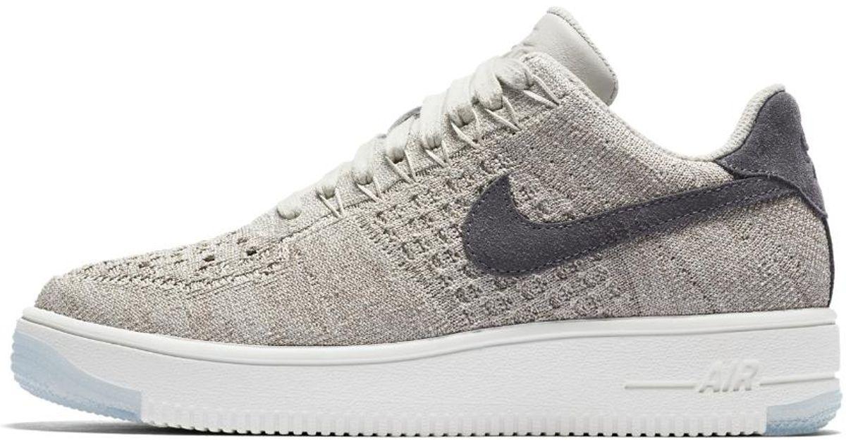 Nike Air Force 1 Flyknit grigio