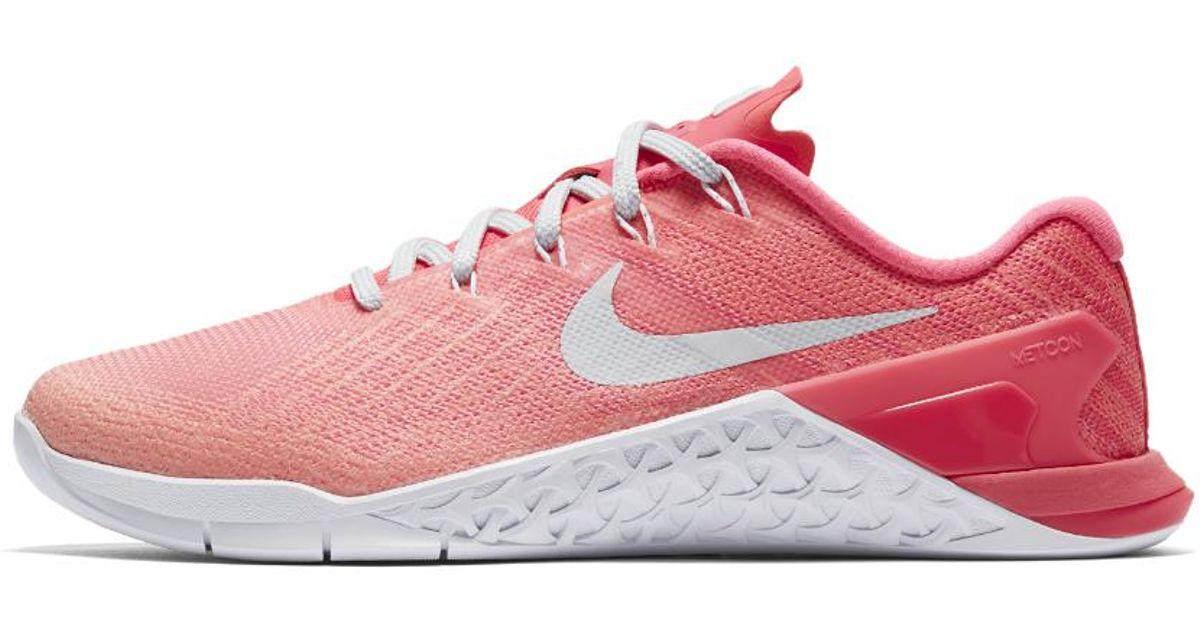https://cdnd.lystit.com/1200/630/tr/photos/nike/e07c4c9d/nike-sunset-glowracer-pinklava-glow-metcon-3-fade-womens-training-shoe.jpeg