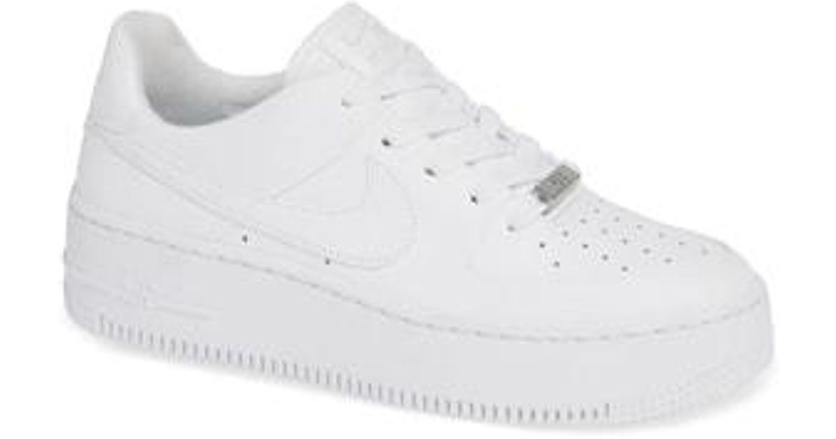 d5dd11303b5 Lyst - Nike Air Force 1 Sage Low Platform Sneaker in White