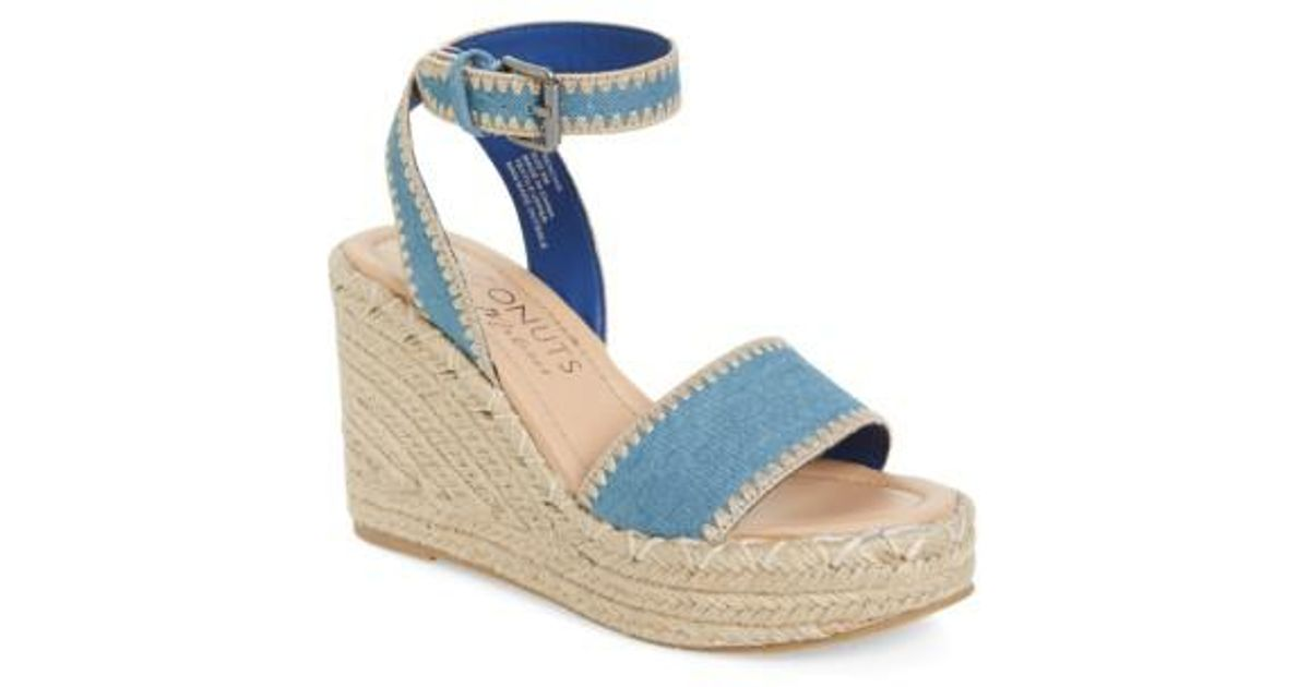 Matisse Women's Coconuts By Frenchie Wedge Sandal