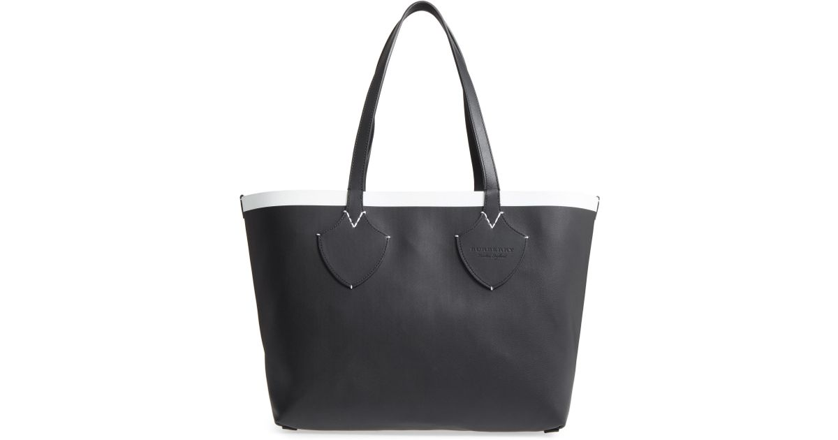 e8025fcdfc74 Lyst - Burberry Medium Reversible Leather   Check Canvas Tote in Black